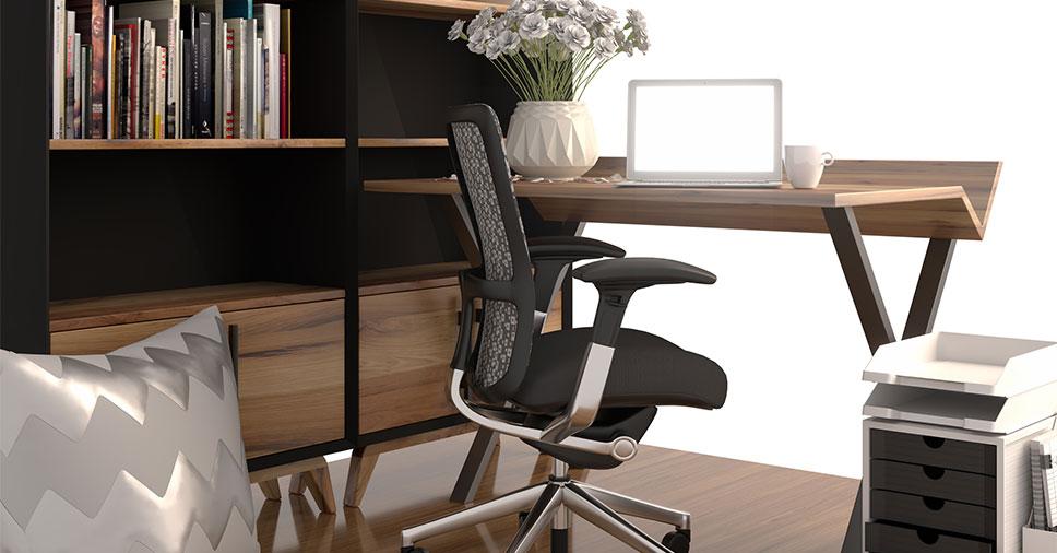 Rotina empresarial: saiba como limpar cadeira de escritório